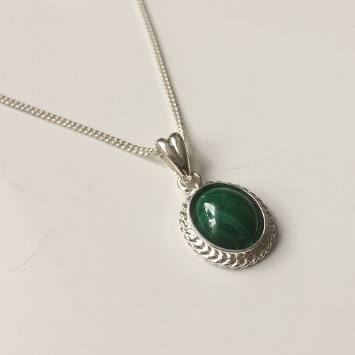 925 Sterling Silver Rope Edge 14 x 11mm Malachite Pendant Nec