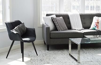 living-room-2155376_1920.jpg