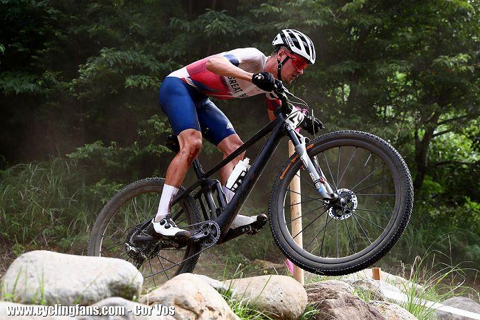 tom pidcock jump mountain bike olympics 2021