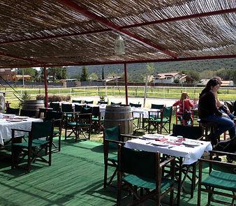 Vagon terraza en hipica en la sierra de madrid