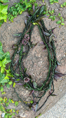Ti Leaf Strand Lei with Rosettes