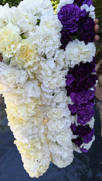 XL Carnation Lei