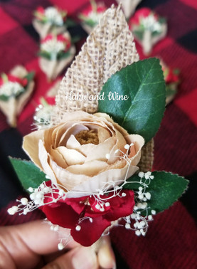 Cream Ranunculus w/ Dried Baby's-Breath Boutineer (Artificial)