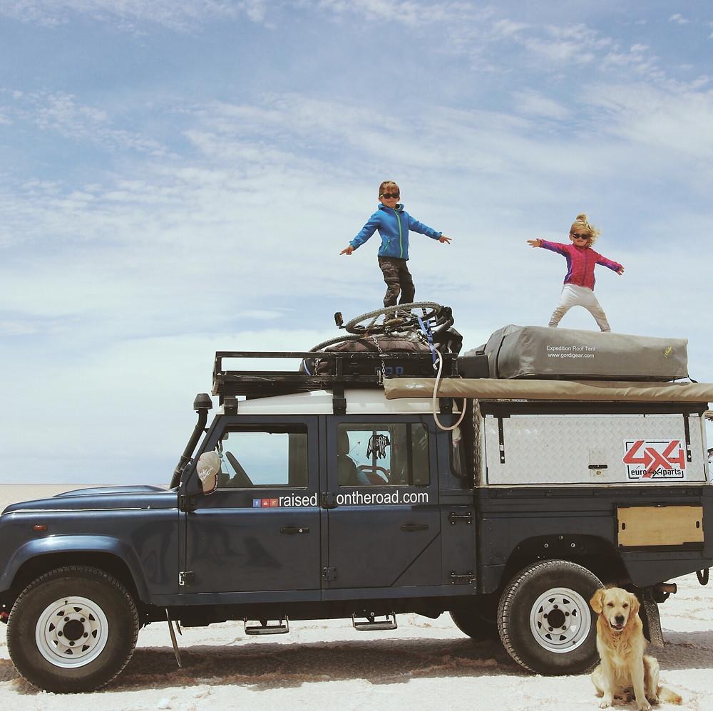 Martin et Rose sur le 4X4 dans le Salar de Uyuni - Bolivia