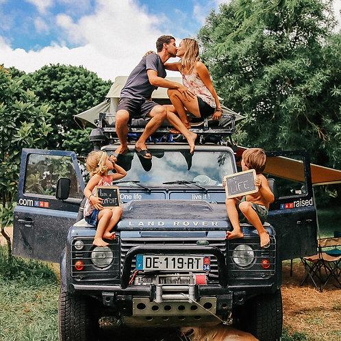 Land Rover Defender - Raised on the Road - 1 Entrée