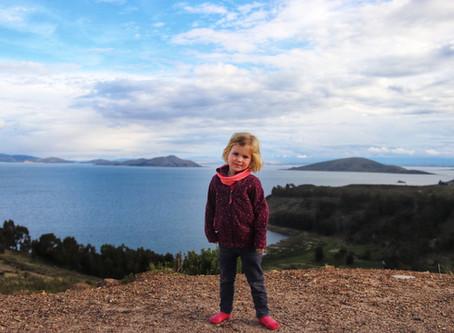 Le lac Titicaca avec des enfants