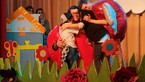 """""""PAPÁ X TRES"""" ACUMULA 7 PREMIOS Y 24 SELECCIONES OFICIALES EN FESTIVALES"""