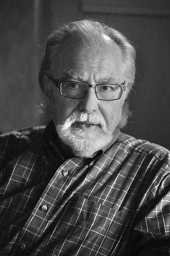 Frank Van Riper author port.           ©