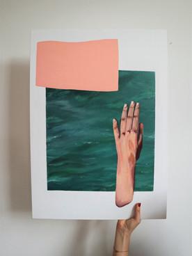 La main se perd au bout de l'océan