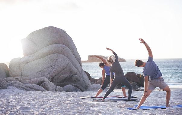 Yoga im Strand
