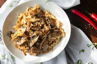 pasta al funghi (pasta with mushrooms)