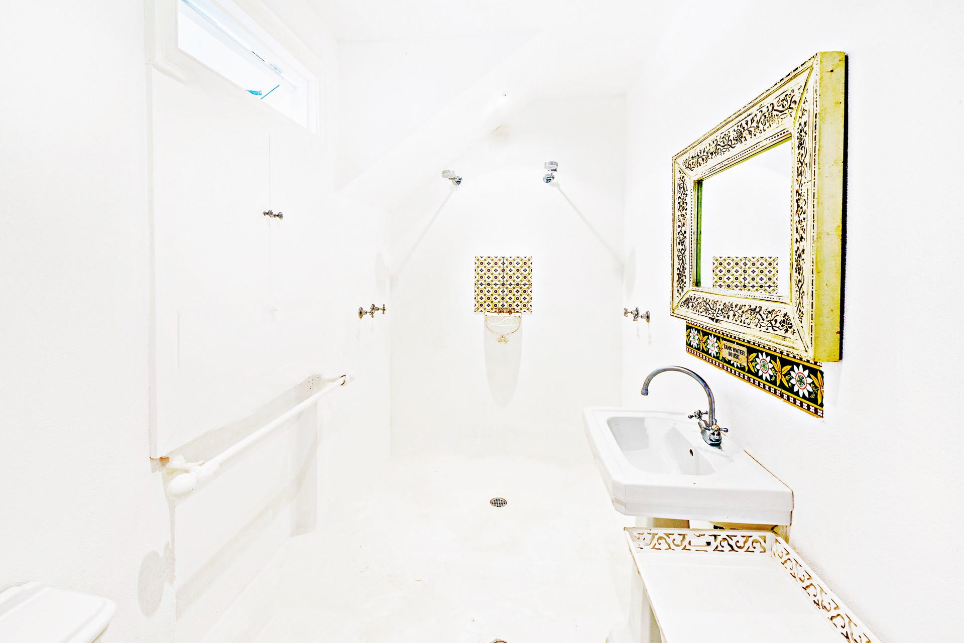 Western Superior Loft 1 Bathroom