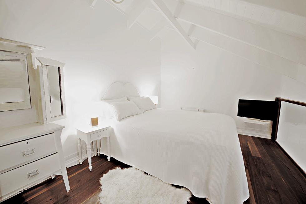 Western Superior Loft 1 Bedroom