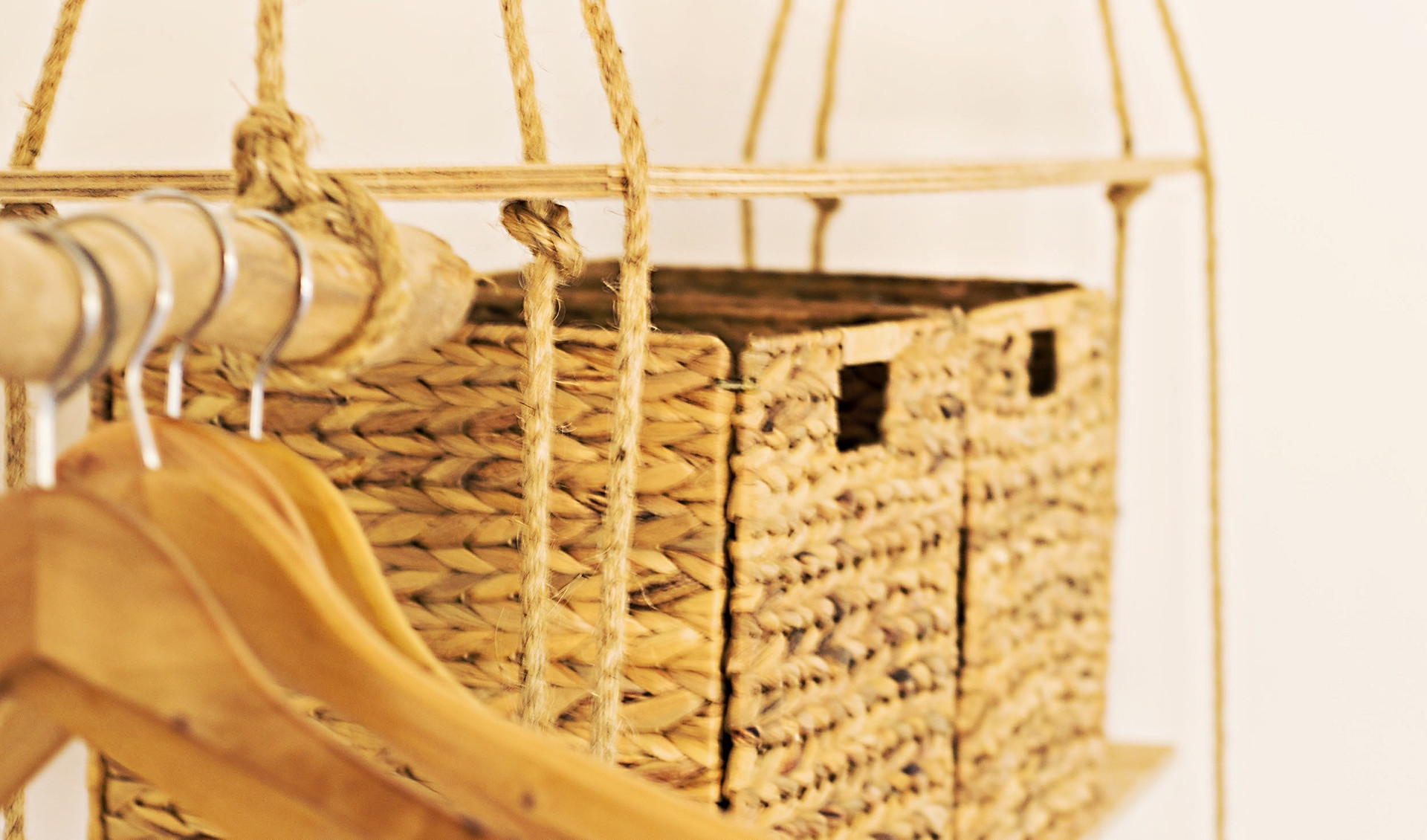 baskethangersRT.jpg