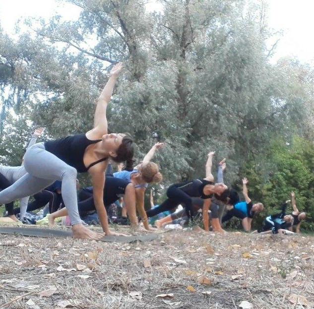 йога природа девушки