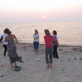 йога возле моря