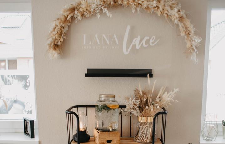 Lana Lace Showroom