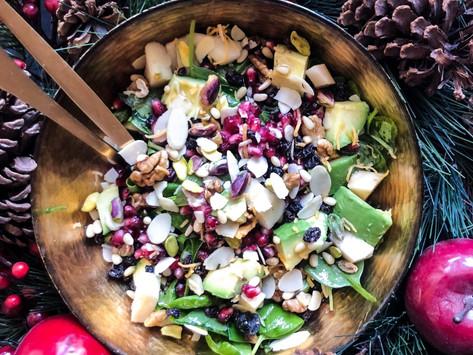 Χριστουγεννιάτικη σαλάτα με σπανάκι, ξηρούς καρπούς & ρόδι
