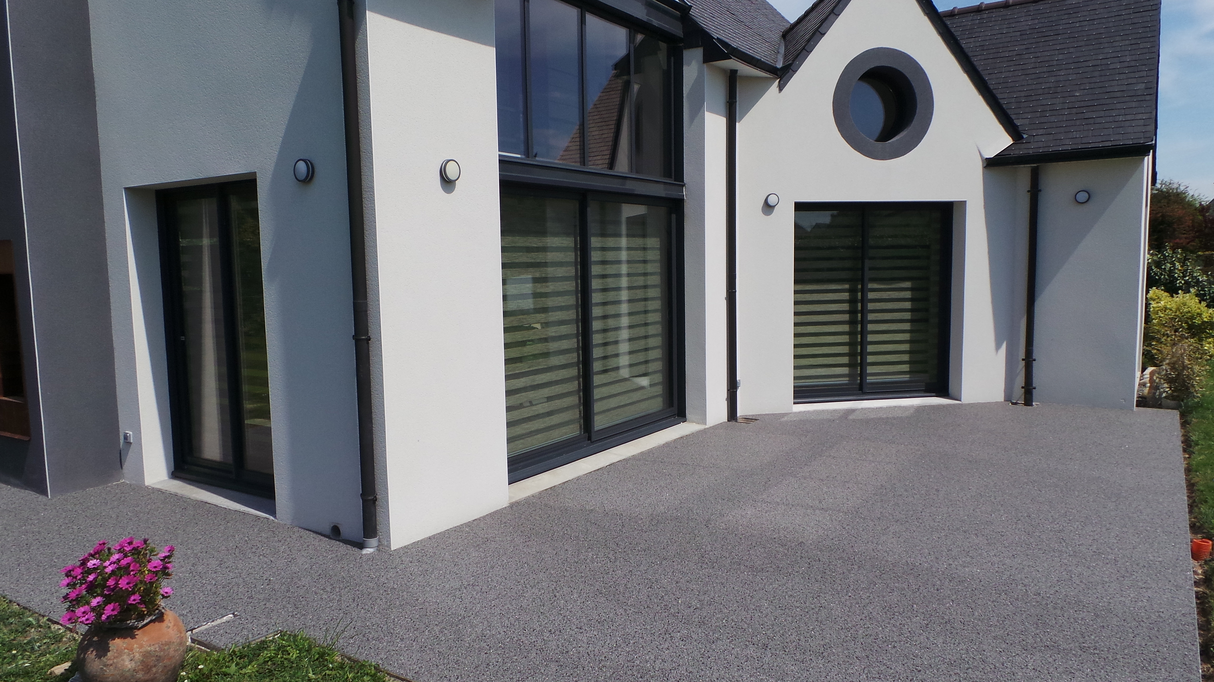 revetement terrasse exterieure resine decoration revetement terasse terrasse revetement sol. Black Bedroom Furniture Sets. Home Design Ideas