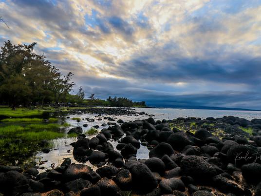 No Pōhakuolēkia me Pōhakuohanalei