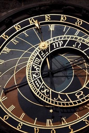 prague_astronomical_clock_detail_193323.