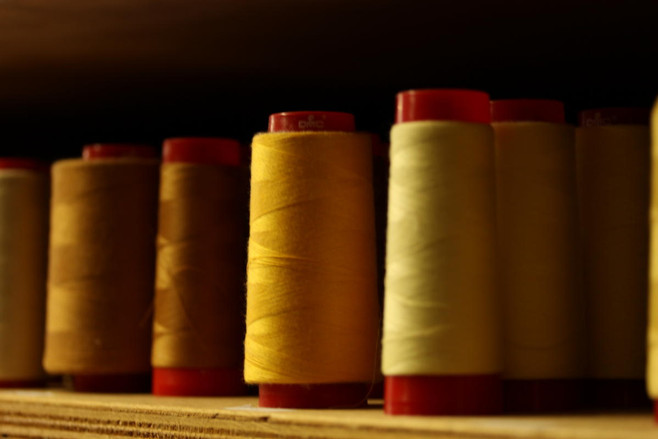 Stock de fils camaïeu de jaune
