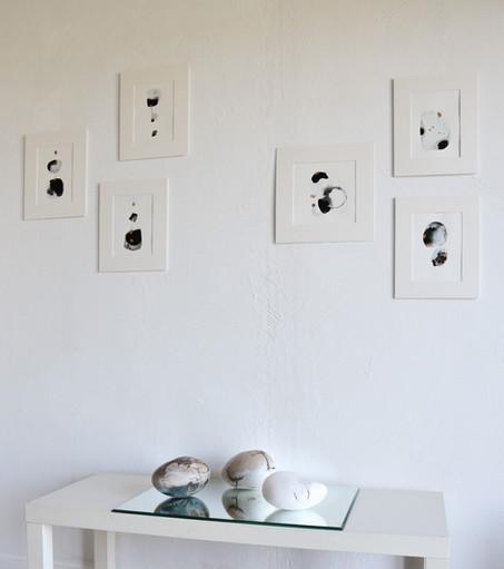 Dominique Rincé Barjou présente  des encres de la série Nous sommes poussière d'étoile , un travail dans la philosophie du kintsugi japonais , des toiles peinture collages et nuage pluie de vie