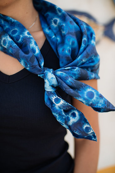 "Silk scarf ""Daisy"""