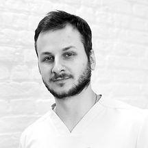 Антон Пацевич, пластический хирург