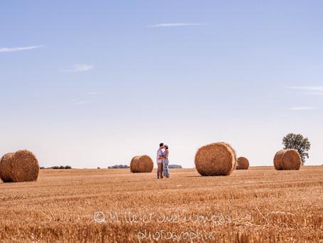 Mélanie & Gaël : Une séance photo de grossesse au doux parfum d'été