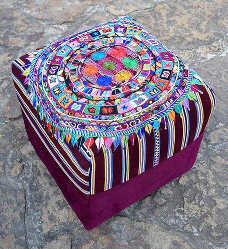 Ruta Textil - Puff Ceremonial Calendario