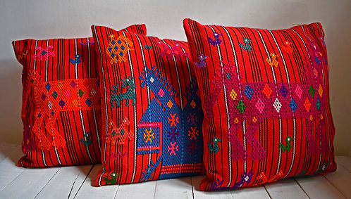 Ruta Textil - Cojines animales Guatemala