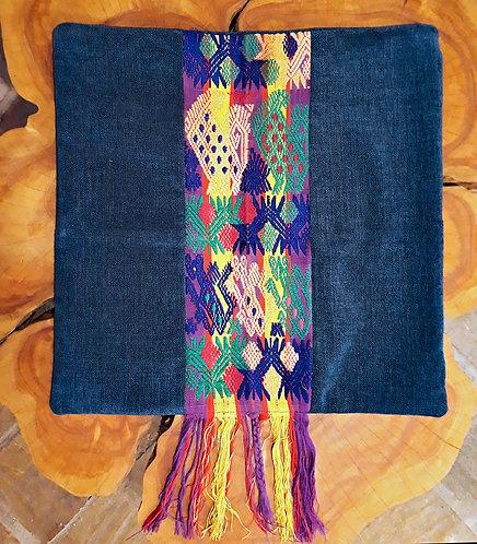 Ruta Textil - Funda cojín bordado flecos