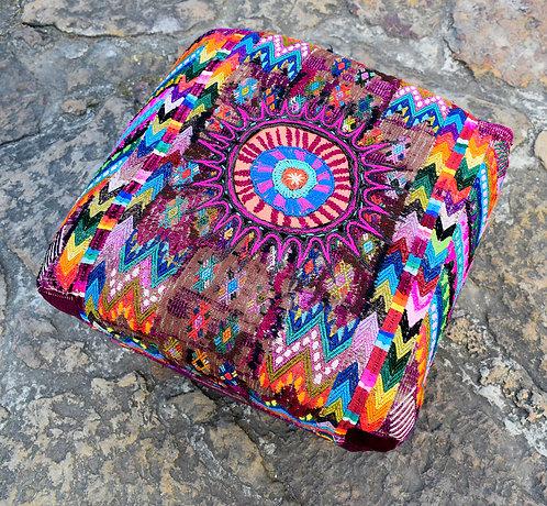 Ruta Textil - Puff Ceremonial Mandala