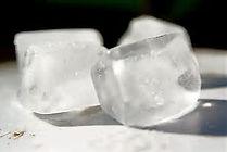 不凍機能/混和浸透技術は、  すべての薬液(水溶液)に対する  世界で初めて開発された混和浸透技術です。  構成するクラスターが非常に細かい分子です。  薬液に配合する事で  その薬液自体のクラスターを細かくし  対応物質に深く混和、浸透させ  主成分の効果を最大かつ短時間に発揮させます。