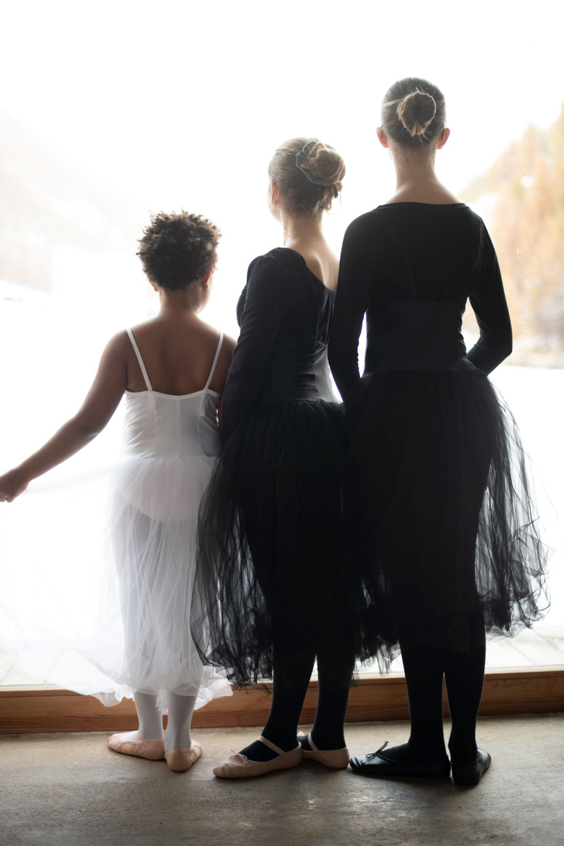 Ballerinas from behind 2 - Photo © Daniela Brugger