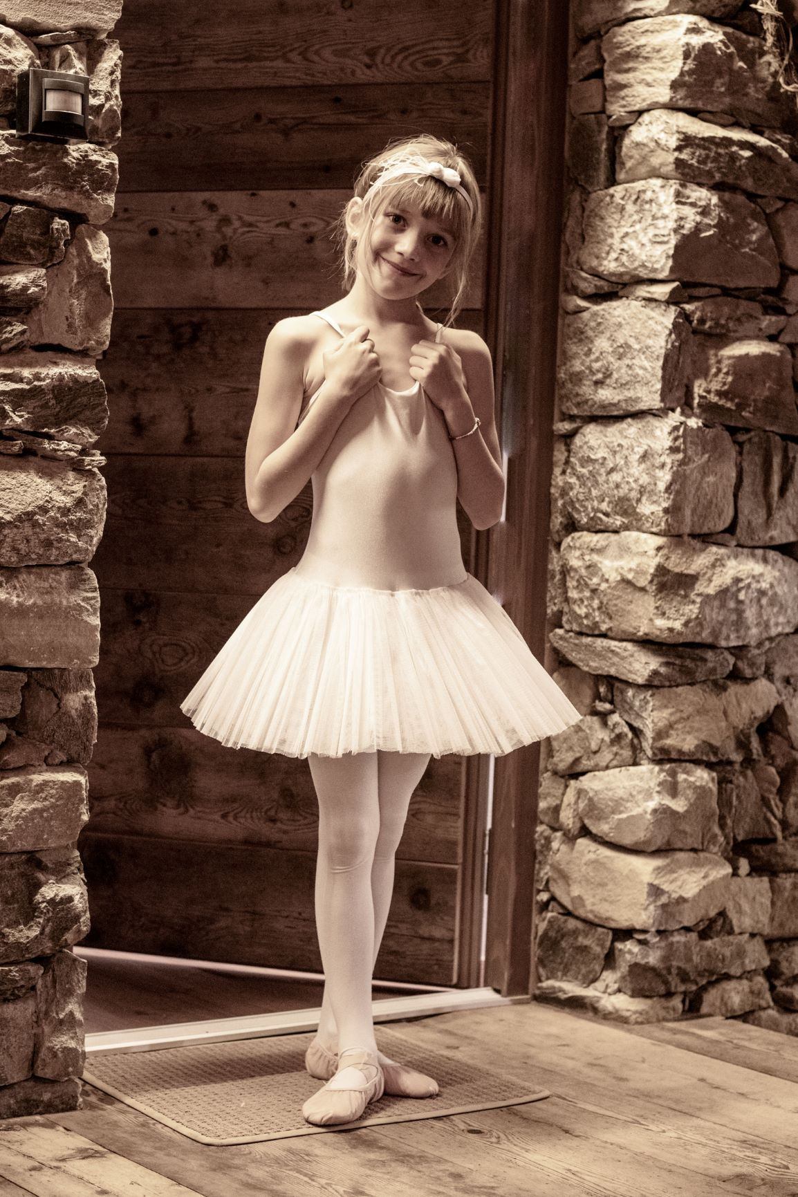 Ballerina in Modified 3rd Position - Photo © Daniela Brugger