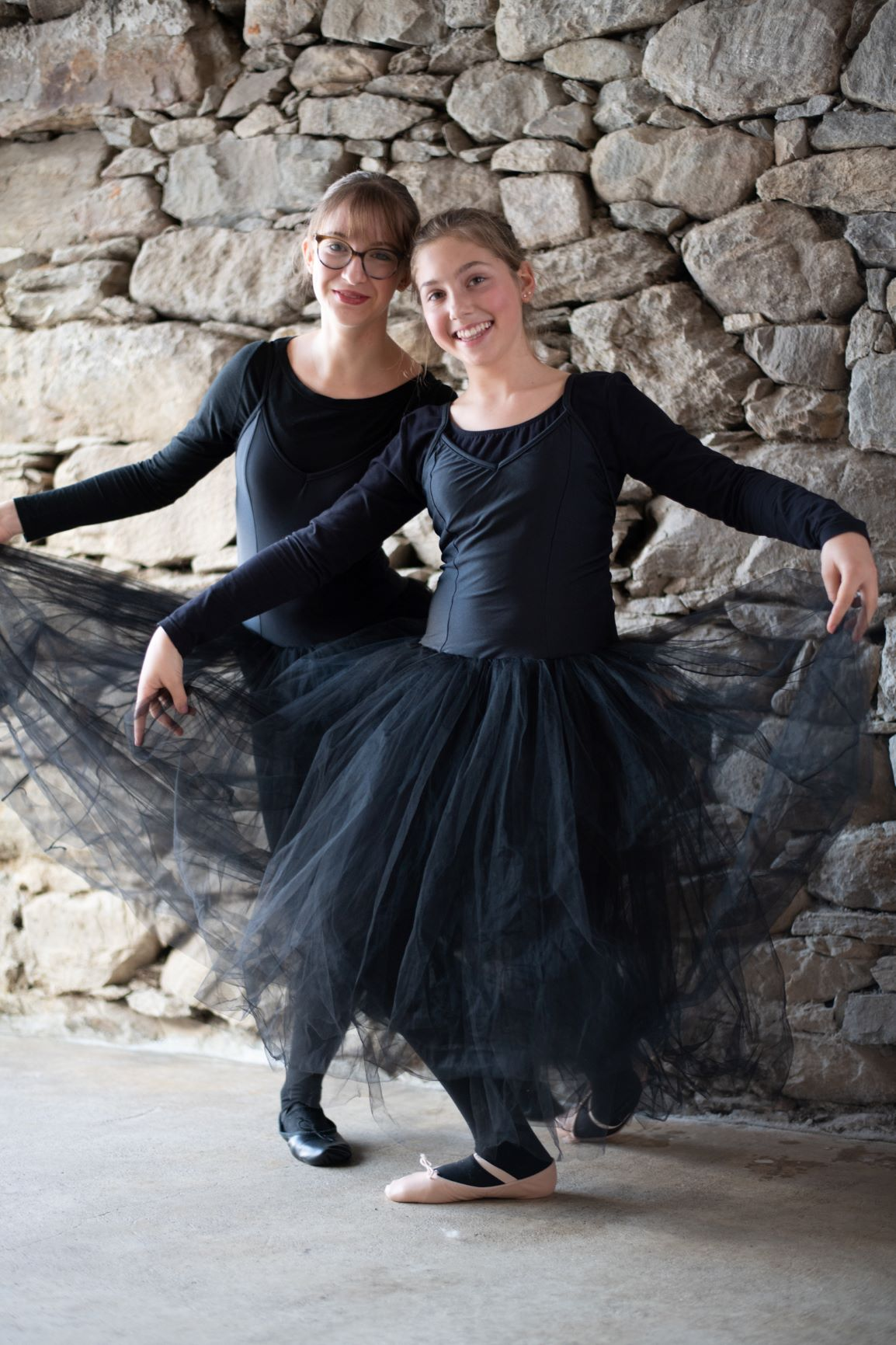 Ballerinas in long black tutus - Photo © Daniela Brugger