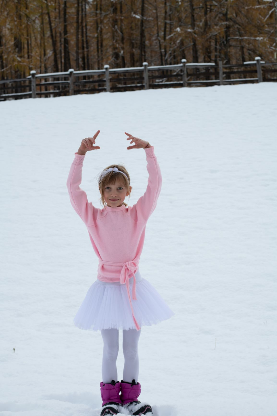 Ballerina - Port de Bras in Snow - Photo © Daniela Brugger