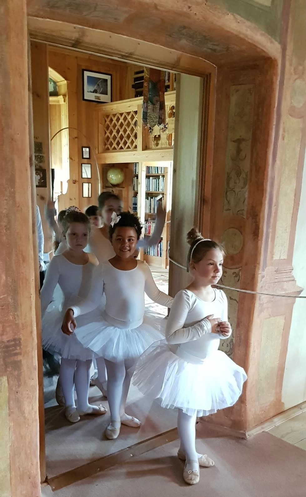 Ballerinas at JUVAL Castle