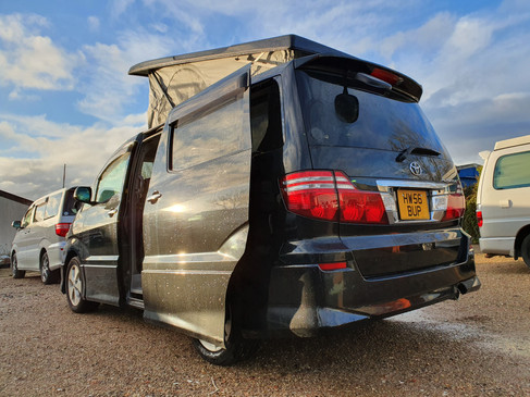 Toyota Alphard - Elevating Roof and 48 R