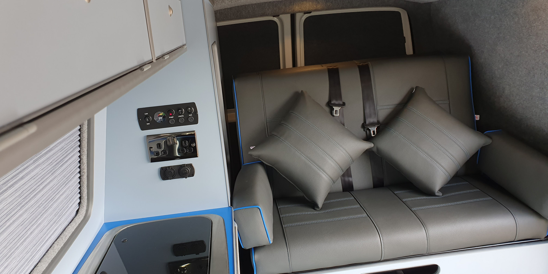 VW T5 RR - side Conversion and Drivelodg