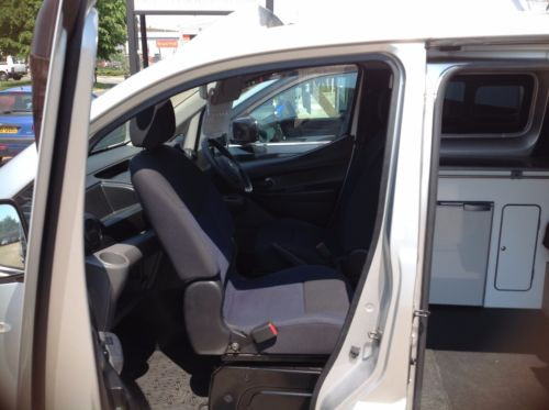 NV200 - Front Swivel seat.jpg