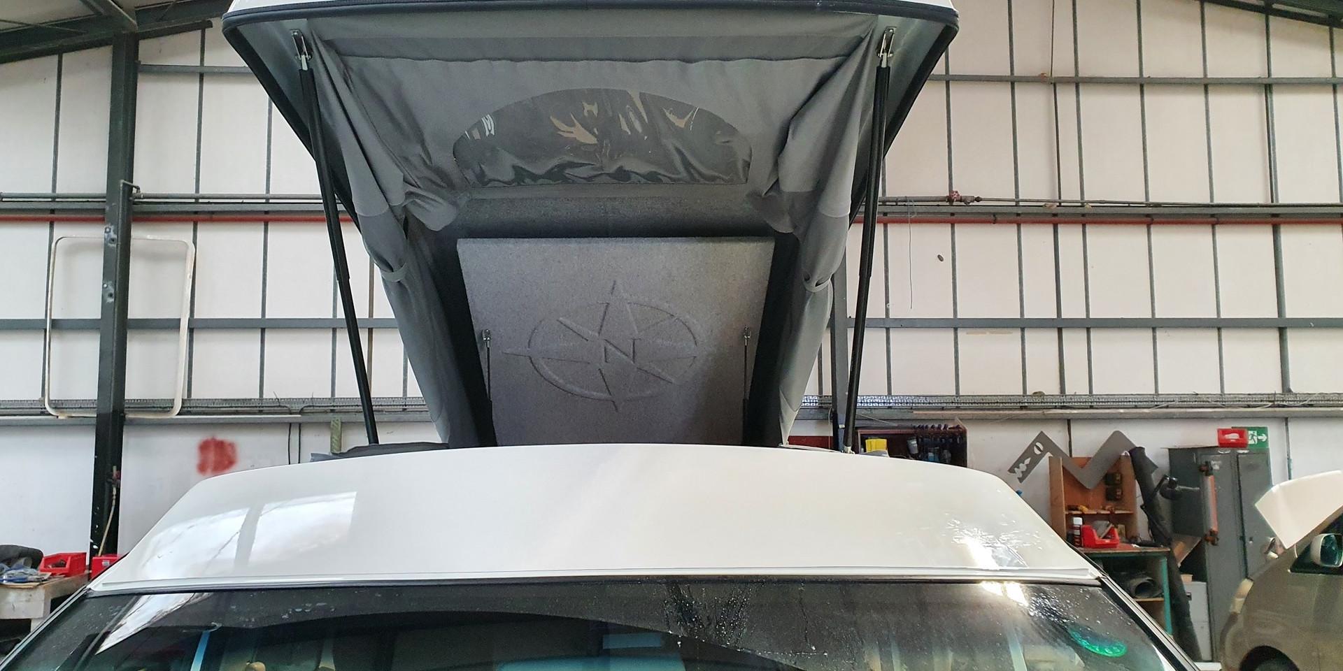 Nissan Elgrand - Elevating Roof - Norths