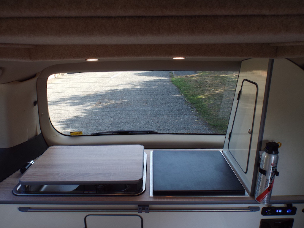 Alphard- Hybrid- Roof and Rear 4260 (25)