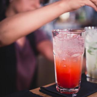 mezclar bebidas