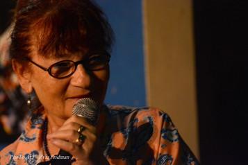 ראיון עם המשוררת ריקי דסקל