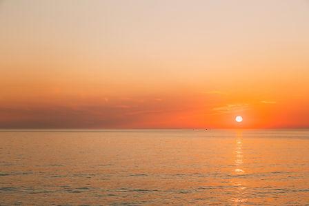 sun-is-rising-on-horizon-at-sunset-or-su