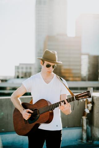 James / Guitar 2018