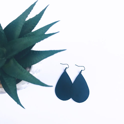 Black Teardrop Diffuser Earrings